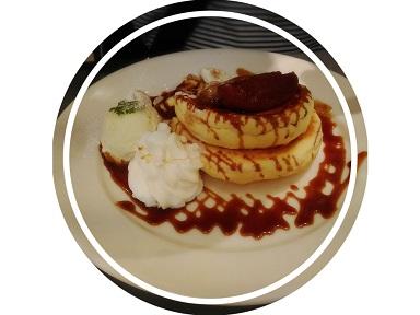 ©2019 スーの徒然日記 焼きりんごとキャラメルのパンケーキ